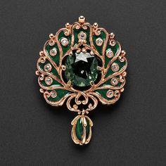 Jewelry Diamond : Art Nouveau Rose Gold and Alexandrite Pendant Brooch, Marcus & Co. - Buy Me Diamond Rose Gold Jewelry, High Jewelry, Luxury Jewelry, Jewelry Art, Diamond Jewelry, Antique Jewelry, Vintage Jewelry, Jewelry Design, Fashion Jewelry