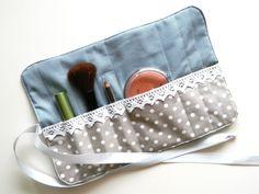 Kosmetikrolle, Schminktasche, Rollmäppchen von rosarot-designs auf DaWanda.com