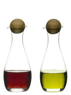 Olie/eddikeflaske i mundblæst glas med prop kr. Depot Design, Wine Carafe, Apollo Box, Olive Oil Bottles, Nature Collection, Glass Water Bottle, Glass Bottles, Wine Glass, Bottle Stoppers