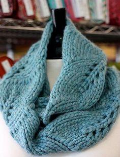 Vite Cowl knit pattern by Kristi Johnson - free Ravelry download