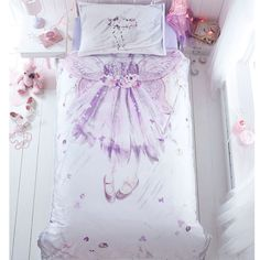 Perfect for little girls' bedrooms, this single bedding set is designed by Ben de Lisi and features a pretty flower fairy character   complete with an enchanting purple dress, wand, wings and a delicate floral crown.