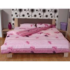 Lenjerii de pat Vara Combinatia dintre maci si nuantele de mov dau o tenta romantica si un aer elegant lenjeriei de pat Vara. Foarte fina la atingere, lenjeria de pat iti asigura confortul de care ai nevoie in timpul somnului. Lenjeria este confectionata din percale (60% bumbac, 40% poliester).