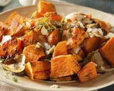 Sweet Potato Home Fries Guilt-free Spin on a Favorite Side Dish Sweet Potato Home Fries, Sweet Potato Recipes, Sweet Potato Cinnamon, Candied Sweet Potatoes, Baked Potatoes, High Carb Foods, No Carb Diets, Dieta Paleo, Paleo Diet