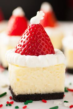These Strawberry Santa Cheesecake Bites will take pride of place on your Christmas table. These Strawberry Santa Cheesecake Bites will take pride of place on your Christmas table. Christmas Party Food, Xmas Food, Christmas Cooking, Christmas 2015, Christmas Lunch, Holiday Baking, Christmas Desserts, Christmas Treats, Cheesecake Bites