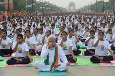 India's Narendra Modi Leads Thousands in International Day of Yoga Celebration - India Real Time - WSJ