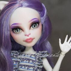 One of my previous Monster high works. She is now with my lovely Miquelle