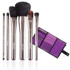 JAFRA Cosmetics Professional Brush Set + Storage Case - The perfect makeup brushes!