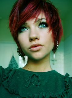 I'm not big on really short hair but with this color and cut on this girl it looks awesome.