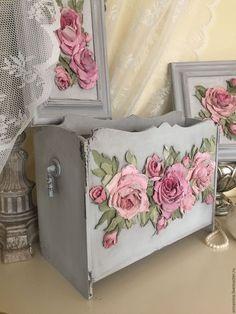 Купить Журнальница Виктория - журнальница, для журналов, скульптурная живопись, обьемные розы, розы, серый