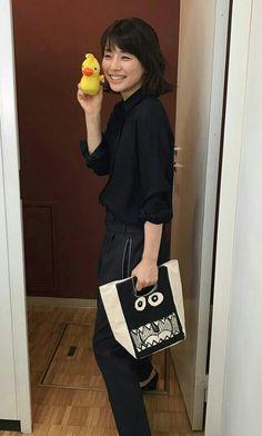 石田ゆり子 Yuri, Reusable Tote Bags, Lily, Shoulder Bag, Actresses, Instagram Posts, Beautiful, Beauty, Woman