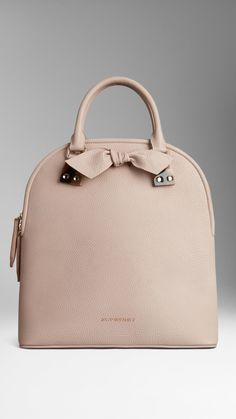 Burberry The Medium Bloomsbury in Grainy Leather in Pink (stone)