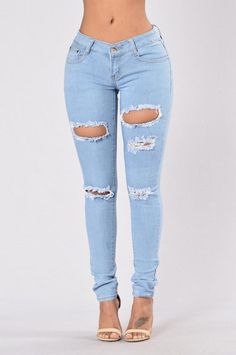 Feeling Patchy Jeans - Light Wash