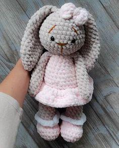Плюшевая зайка. Бесплатная схема для вязания игрушки. FREE amigurumi pattern. #амигуруми #amigurumi #схема #pattern #вязание #crochet #knitting #заяц #зайка #зайчик #rabbit