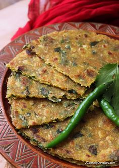 Oats, Juwar & Methi Thepla (Oats, Shorghum & Fenugreek leaves paratha) Jagruti's Cooking Odyssey: Oats, Juwar/Jowar & Methi Thepla – Oats, Shorghum & Fenugreek leaves paratha Methi Recipes, Gujarati Recipes, Veg Recipes, Indian Food Recipes, Vegetarian Recipes, Cooking Recipes, Healthy Recipes, Indian Snacks, Jowar Recipes