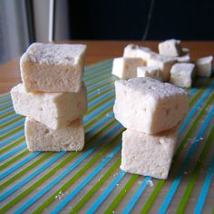 """Finally! A real sugar-free marshmallow recipe that doesn't start with """"1 cup of maple syrup"""" ... woo hoo! Maybe s'mores are in my future after all!"""