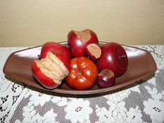 Royal Haeger Fruit Bowl with 7 Wooden Apples