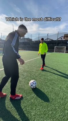 Soccer Footwork Drills, Soccer Practice Drills, Soccer Training Drills, Soccer Coaching, Best Football Skills, Football Tricks, Goals Football, Football Workouts, Soccer Videos