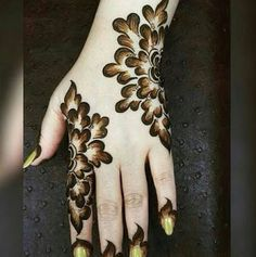 Mehndi henna designs are always searchable by Pakistani women and girls. Women, girls and also kids apply henna on their hands, feet and also on neck to look more gorgeous and traditional. Henna Hand Designs, Dulhan Mehndi Designs, Mehandi Designs, Mehndi Designs Finger, Latest Arabic Mehndi Designs, Basic Mehndi Designs, Floral Henna Designs, Mehndi Designs For Beginners, Mehndi Design Photos