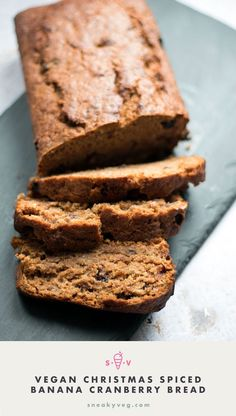 A delicious and easy recipe for a Christmas-spiced vegan banana cranberry bread. This is the perfect recipe to use up over-ripe bananas. Best Vegan Recipes, Vegan Dessert Recipes, Dairy Free Recipes, Bread Recipes, Vegetarian Recipes, Banana Cranberry Bread, Banana Bread, Vegan Christmas Desserts, Christmas Baking