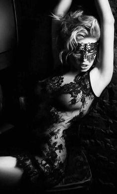 Psychology of Mask Black N White, Black And White Pictures, Boudoir Photos, Boudoir Photography, Transférer Des Photos, Kreative Portraits, Black Magic Woman, Lace Mask, Erotic Art