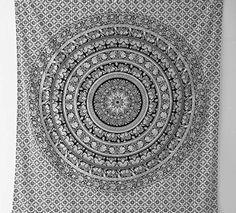 Bhagyoday Wandteppich, indisches Mandala-Design, Hippie- / Boho-Stil, Schwarz / Weiß, ideal als Wanddeko oder Tagesdecke, 218 x 239 cm