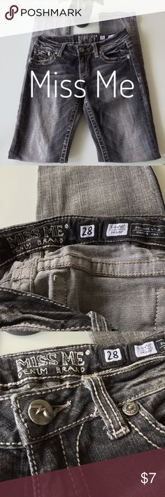 """Miss Me sunny skinny Miss Me sunny skinny / color sand city / damaged zipper / reflected in price / inseam 32"""" / waist 14"""" / front rise 7.5"""" Miss Me Jeans Skinny"""