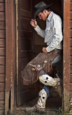 Get the best Cowboy Boots in the West right here! Wyoming Cowboys, Rodeo Cowboys, Hot Cowboys, Real Cowboys, Cowboys And Indians, Cowboy Gear, Cowboy Horse, Cowboy And Cowgirl, Cowboy Boots