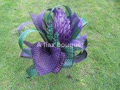 A flax bouquet. Flax Weaving, Flax Flowers, Wedding Bouquets, Baby Car Seats, Flower Arrangements, Diy And Crafts, Projects To Try, Advent Ideas, Wedding Ideas