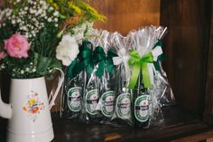 Lembrança padrinhos, garrafas personalizadas com o nome de cada um