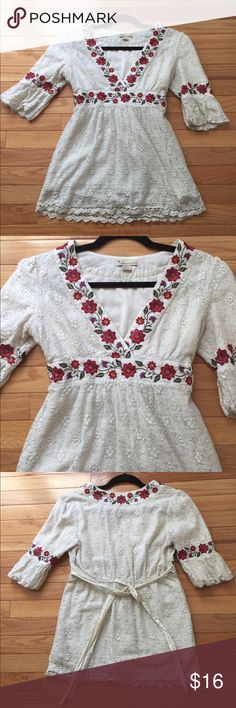 Vintage boho tunic! Gorgeous crochet/lace! Adorable with jeans for a boho look! Top is off white Forever 21 Tops