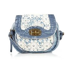 Denim and lace bag Patchwork Bags, Quilted Bag, Denim Handbags, Purses And Handbags, Lace Bag, Diy Sac, Denim Purse, Across Body Bag, Denim And Lace