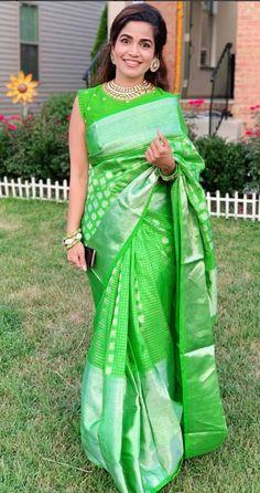 Cotton Saree Blouse Designs, Half Saree Designs, Saree Blouse Patterns, Indian Bridal Sarees, Bridal Silk Saree, Indian Silk Sarees, Saree Draping Styles, Saree Styles, Sari Dress
