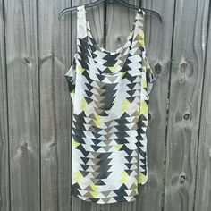☆HP☆Lightweight & sheer sleeveless top (3X) NWOT Brand new, never worn, in original packaging. Multi colored tingle design throughout. Lightweight and sheer material. Size is 3X. Old Navy Tops Tank Tops