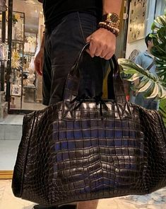 Crocodile duffle bag, alligator duffle bag for sale Mens Tote Bag, Mens Travel Bag, Leather Duffle Bag, Duffle Bags, Best Carry On Luggage, Big Tote Bags, Bowling Bags, Work Bags, Hype Shoes