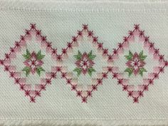 This Pin was discovered by Des Basic Embroidery Stitches, Embroidery Techniques, Ribbon Embroidery, Cross Stitch Embroidery, Embroidery Patterns, Bargello Needlepoint, Needlepoint Stitches, Needlework, Cross Stitch Borders