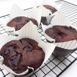 Svampede chokolademuffins Good Food, Yummy Food, Cupcake Frosting, Recipes From Heaven, Cream Pie, Baking Recipes, Muffins, Food And Drink, Sweets