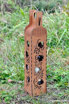 Elegant wine box vertical. Lasercut vector model, project plan. Design 3. Grapevine