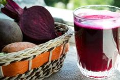 3 Amazing Liver Detox Recipes: Liver Detox Green Smoothie, Deep Green Liver Detox, and Liver Boosting Beet Juice (pictured) Liver Detox Cleanse, Detox Your Liver, Natural Cleanse, Natural Detox, Healthy Liver, Healthy Detox, Vegan Detox, Jugo Natural, Detox Diet Drinks