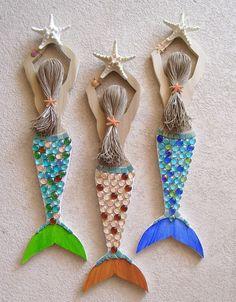 Mermaid Esculpida em madeira recuperada Mão decoradas e pintadas / Rose Art Works via fácil