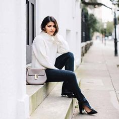 Looking for street style and casual inspiration? Then, you are at the right place! Here you can find pretty stylish looks you can easily combine and apply them on your own street style appearance among the people on your street walk