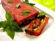 κόκκινη τερίν με ψητά λαχανικά: όλος ο χρόνος καλοκαίρι Meatloaf, Tuna, Sandwiches, Roast, Appetizers, Fish, Vegan, Vegetables, Party