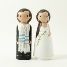 Lil Cake Toppers -- so cute, and they really make them look like the bride and groom! I'm loving this one in particular, with the groom in a tallis.