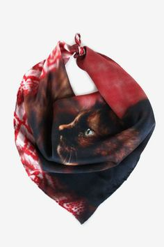 I adore this Contemplative Kitten Handkerchief <3 one of the many new Deserts and Lakes arrivals!