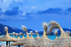 Café mit Meerblick, por favor! Die schönsten Strandbars im Nordosten Mallorcas – Unterfreundenblog Monument Valley, Nature, Travel, Majorca, Viajes, Nice Asses, Naturaleza, Trips, Nature Illustration