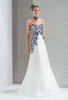 Showroom robe de mariee bordeaux