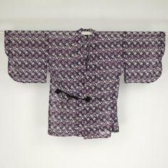 Dark and purple douchugi coat / 黒地にぶどう柄を施した夏の道中着   #Kimono #Japan http://global.rakuten.com/en/store/aiyama/