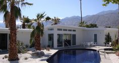 4 Bedrooms, 3 Baths (Sleeps 8)  New Mid-Century with Expansive Mountain Views