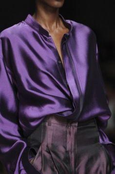 Elegant yet simple satin blouse outfit ideas (19)
