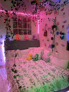 Indie Room Decor, Aesthetic Room Decor, Hippie Bedroom Decor, Aesthetic Bedrooms, Room Design Bedroom, Room Ideas Bedroom, Bedroom Inspo, Attic Bedroom Ideas For Teens, Room Ideias