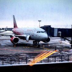 Полет в Москву , очень удобен и быстр. Даже со всеми дорогами от и до аэропорта и прохождениями контроля и тд. Ну а главное , что чуть дешевле Сапсана. #авиа #авиакомпанияроссия #внуково #мск #москвапривет
